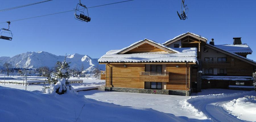 France_AlpedHuez_Hotel_Alpenrose_exterior_ski_lift.jpg
